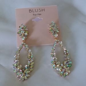 Spring Vintage Style Pierce Dangle Earrings Blush